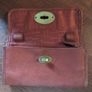 Fossil wallet, lots of room! Brown